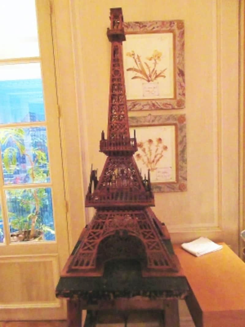 ブノワ東京「エッフェル塔」のアンティーク模型