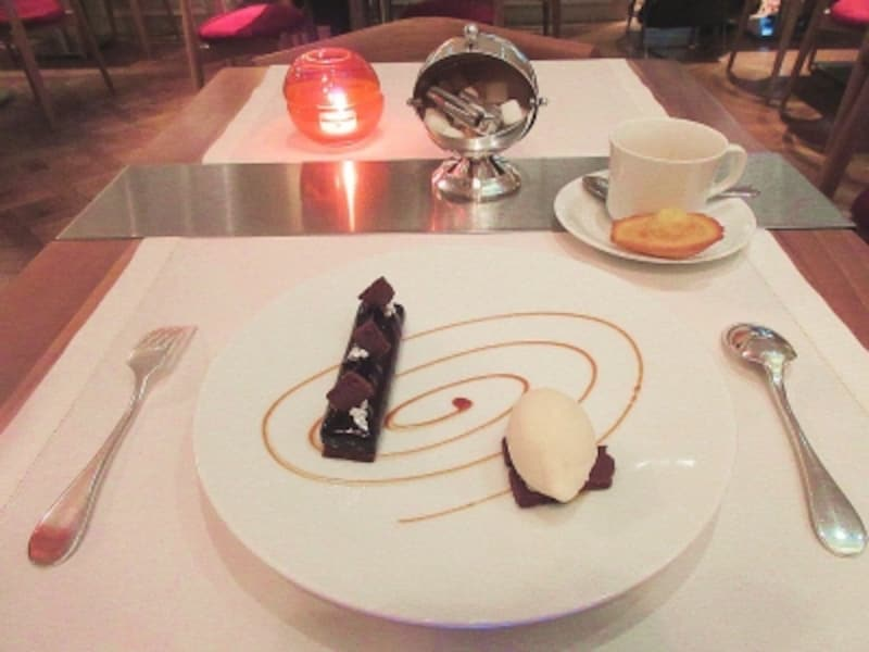 ブノワ東京ショコラとキャラメルのブノワ風と牛乳のアイスクリーム