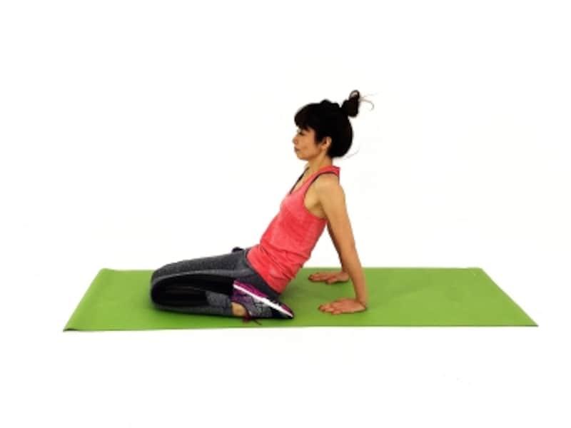 疲れ解消ストレッチ4undefined割座になりふともも前側の疲れを取ります