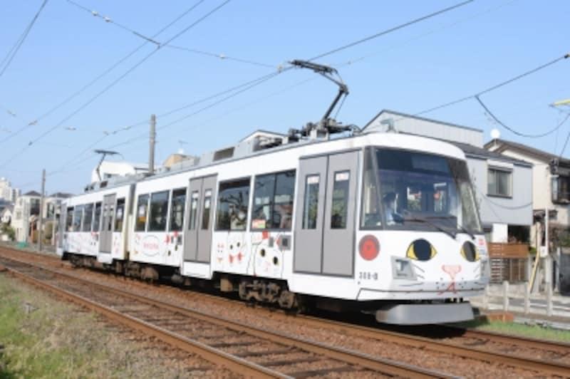幸福の招き猫電車」