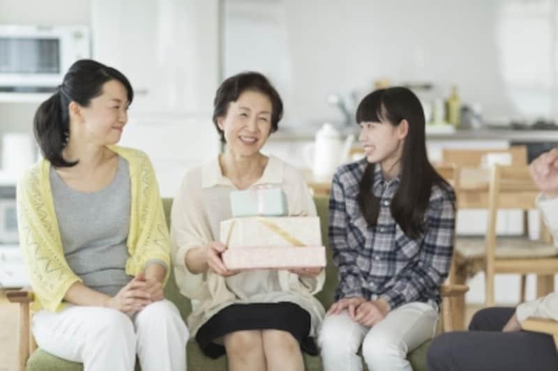 母の日のプレゼントには、女性が喜ぶほぐし家電、キッチン家電などがおすすめ