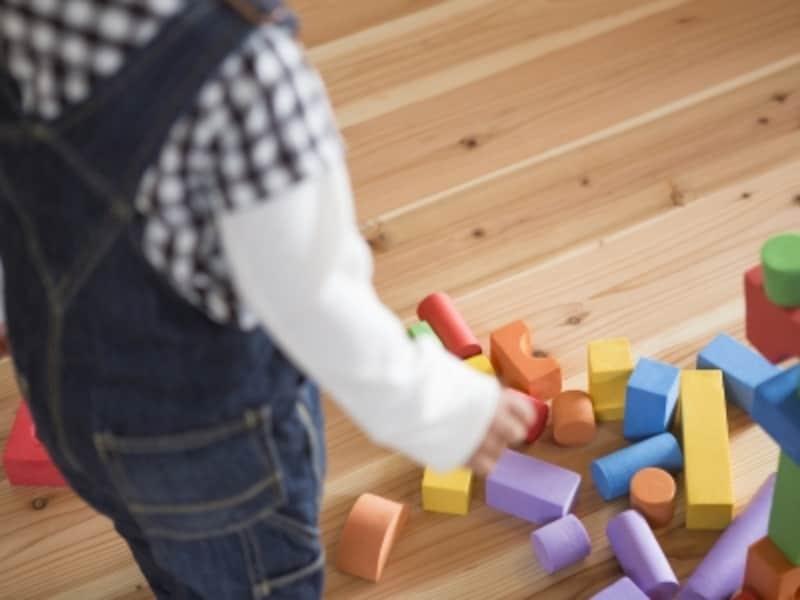 おもちゃのお片づけ、子供にどう教えればいい?