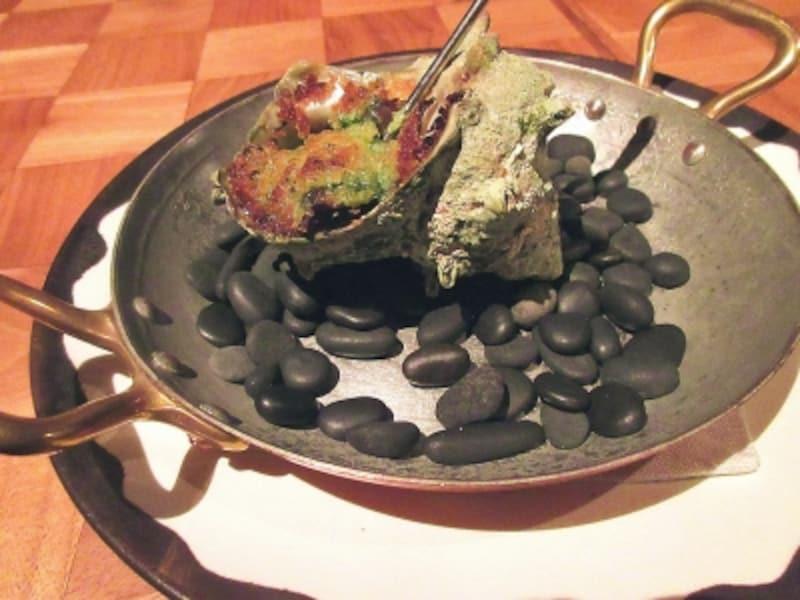 アンダーズ東京焼きサザエのブルゴーニュ風ガーリックハーブバター