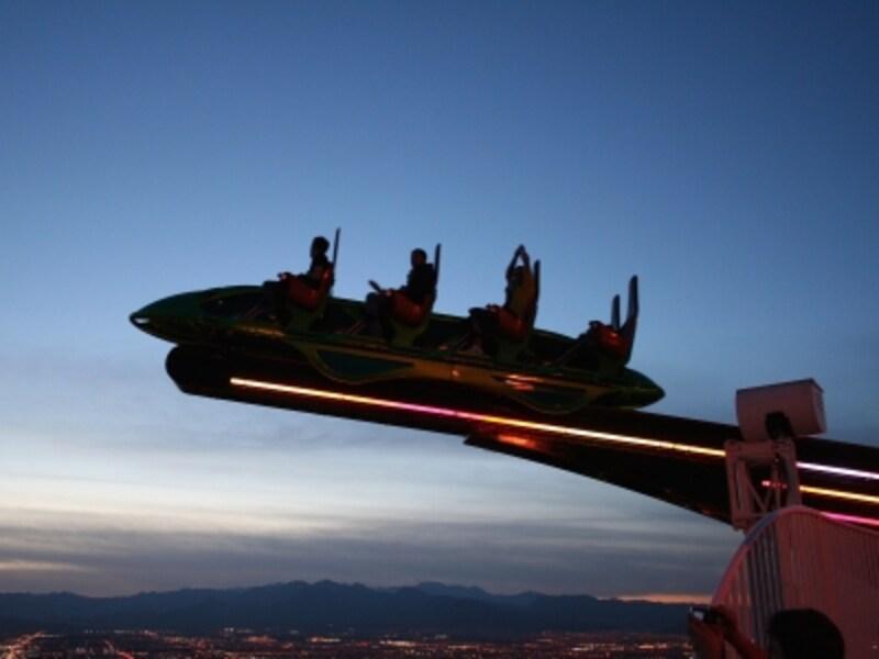 シーソー型アトラクション「エクスクリーム」は、ストリップに向けて発射する!