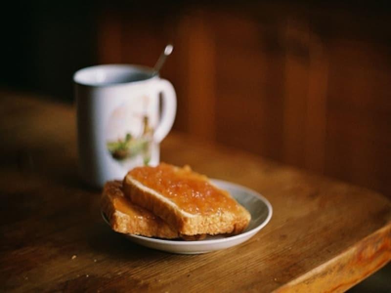 トースト&コーヒーはすぐに空腹になる可能性大