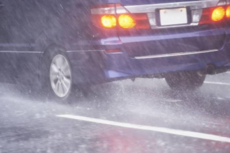雹災害と自動車保険・火災保険