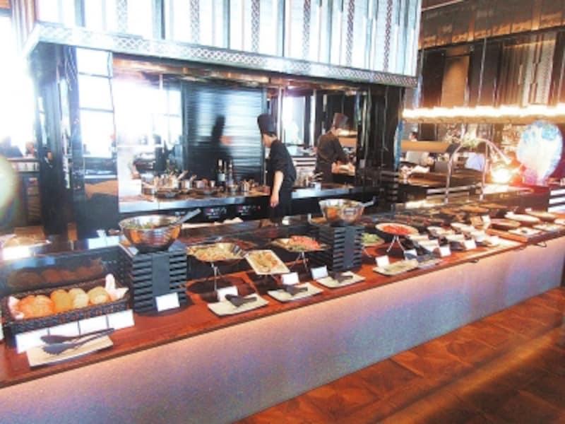 AWALOUNGE軽食のブッフェ台