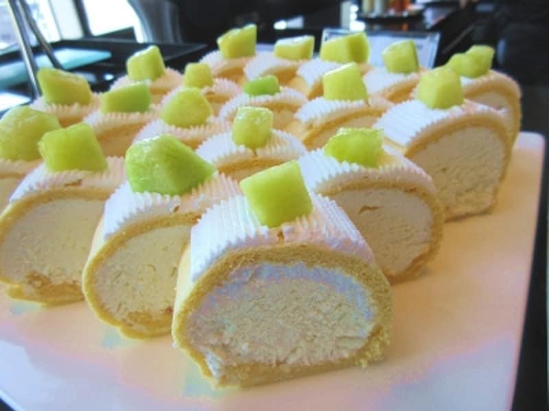 AWALOUNGEメロンロールケーキ
