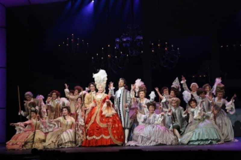 『モーツァルト!』2014年帝劇公演より。写真提供:東宝演劇部