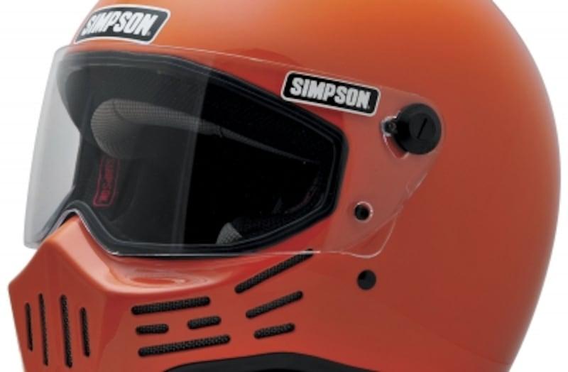 映画「マッドマックス」の世界観を見事に再現している米ヘルメットブランド「シンプソン」