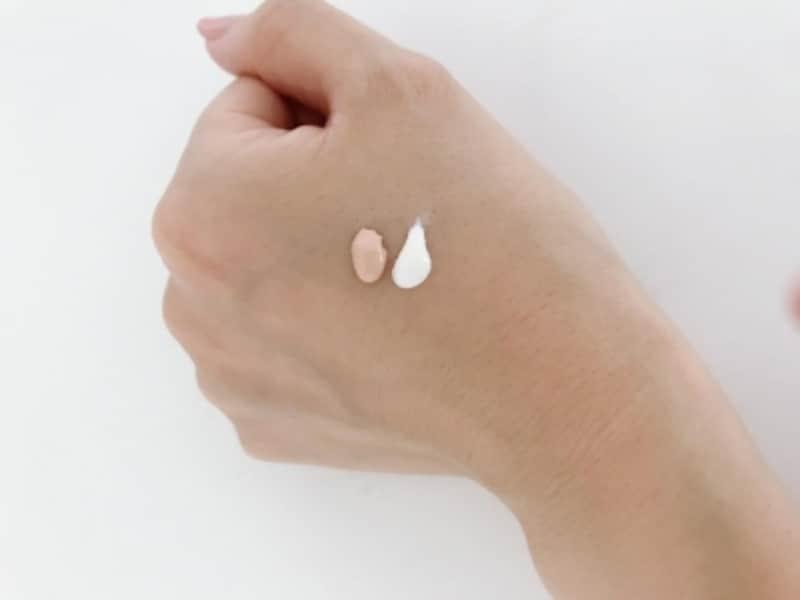 左のCCクリームは素肌をキレイに見せてくれる。右のベースは肌に透明感を与えてくれる