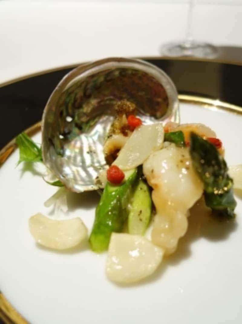 エゾアワビと海老の炒め鮑の肝ソース