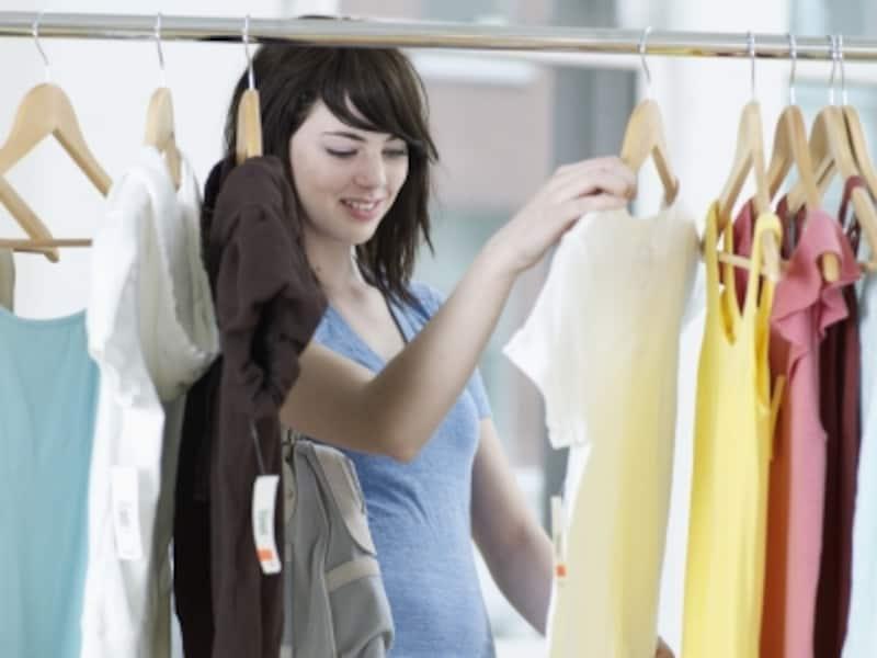 お気に入りの服に出会ったとき、1番似合う色を選んでいますか?