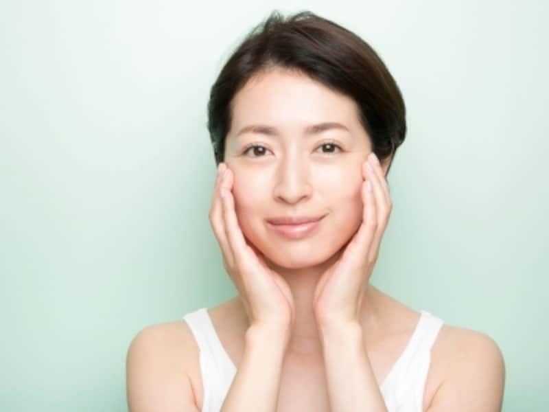 油分の多いクリームなどを用いて、マッサージによる肌の摩擦を減らす