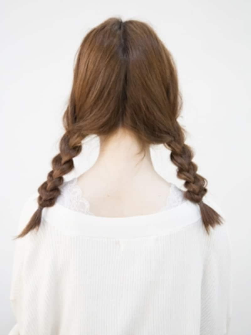 三つ編みで作る簡単なおさげ髪(二つ結び)
