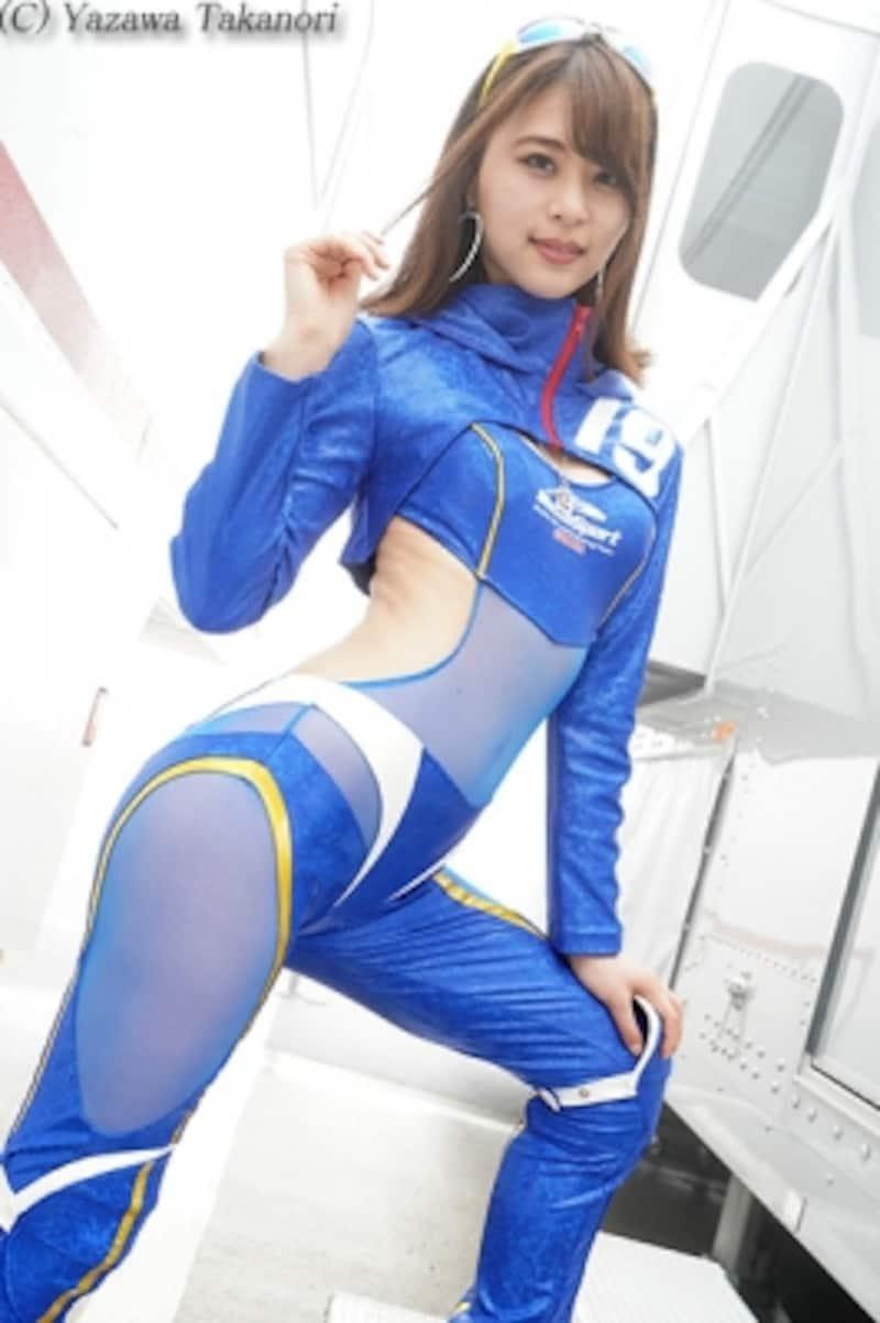 山本成美/2018WedsSportRacingGals