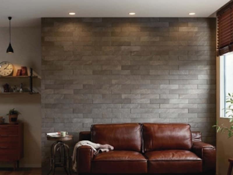 立体感のある石のテクスチャーが空間を引き締める。湿度を40~70%で保ち、やさしい室内環境をサポートする。[INAXエコカラットundefinedGシリーズundefinedラフクォーツ]undefinedundefinedLIXILundefinedhttp://www.lixil.co.jp/