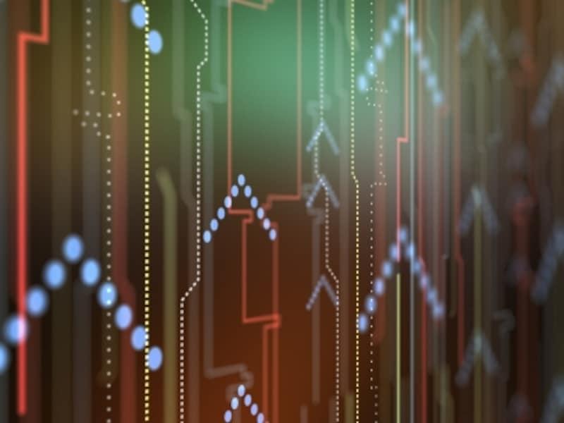 株式分割とは資本金を変更しないままに1株をいくつかに分割して発行済み株式数を増やすことです。流動性が改善して株価が上がる材料となるため、株主にとっては嬉しいイベントとなります