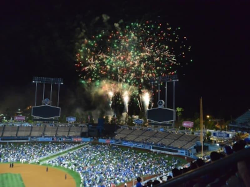 ドジャースタジアムの花火