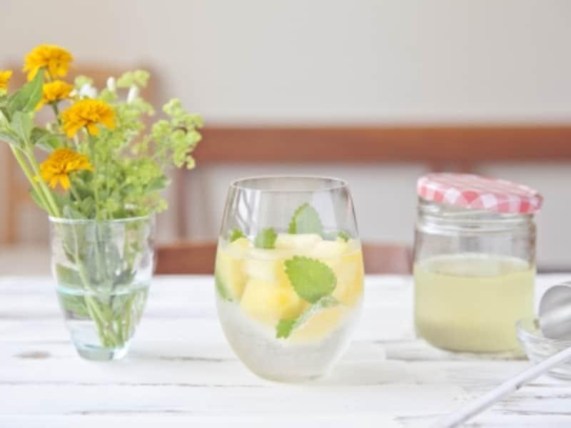 花のある食卓