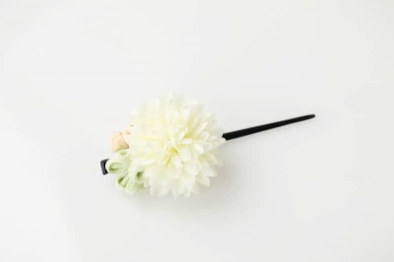 白いお花のかんざし