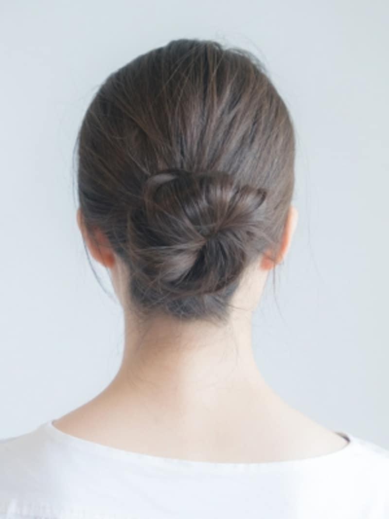 白髪が目立たない髪型・簡単まとめ髪アレンジの方法