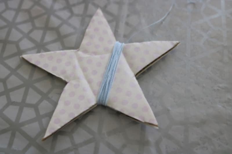 星のレース糸を巻きます