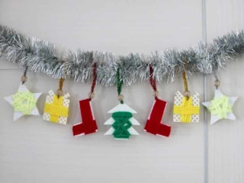 カラフルな毛糸を巻いて作るクリスマスガーランド