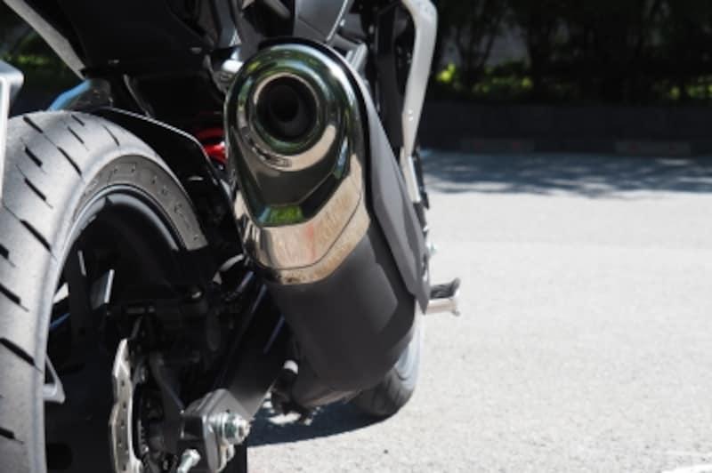 CB250Rはマフラーなどの構造の工夫によって低中速重視のセッティングになっている