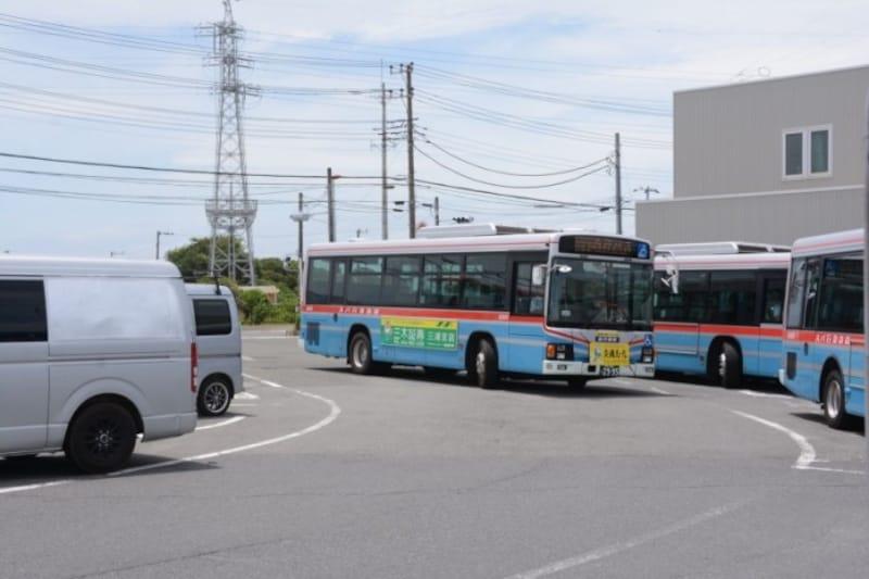 三崎口駅前からバスに乗車
