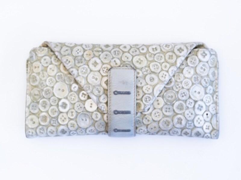さりげなくおしゃれで機能的!日本人デザイナーの財布