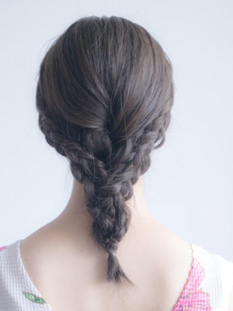 プールや海の髪型には編み込みヘアがおすすめ!