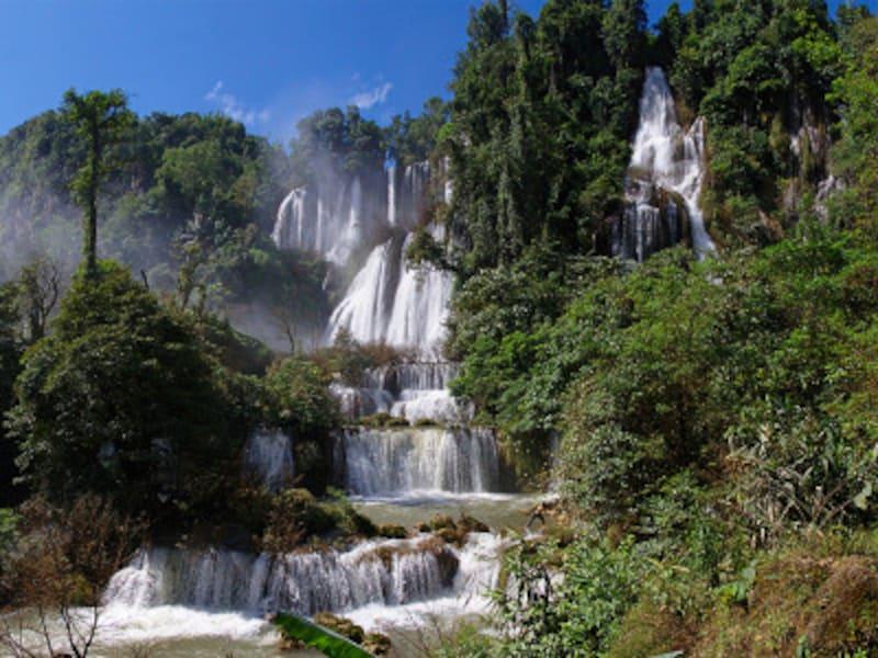ウムパーン野生生物保護区のティロース滝
