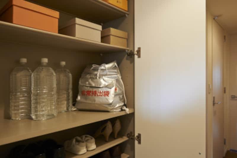 玄関先の非常持ち出し袋