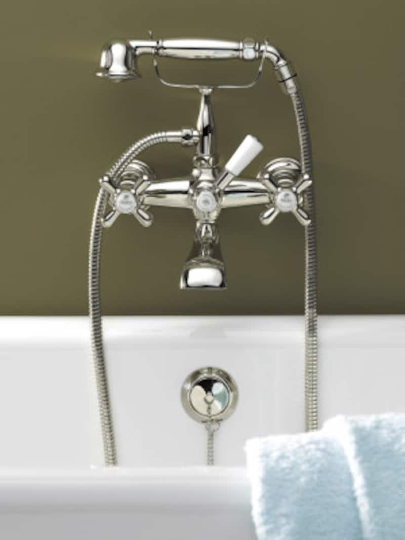 クラシックなデザインがエレガントな空間を生み出す。[HR04434シャワバス用湯水混合栓] セラトレーディングhttps://www.cera.co.jp/
