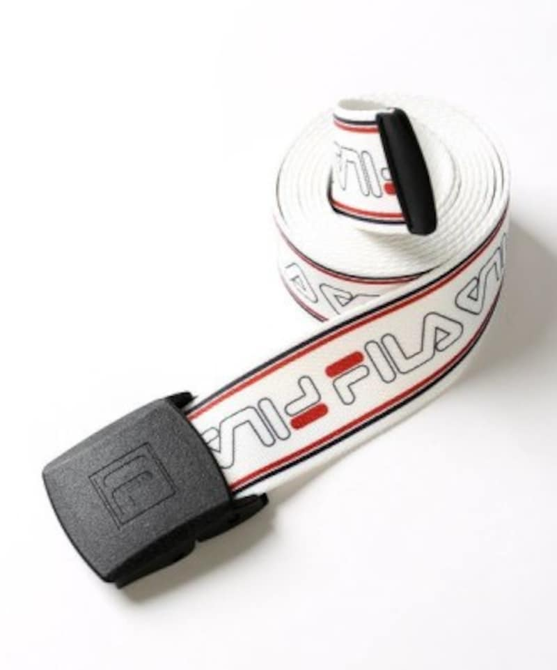 「FILA」×「FREAK'S STORE」別注LOGO BELT。出典:ZOZOTOWN
