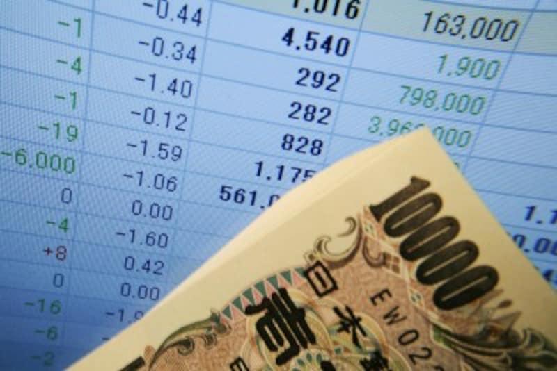 日本の株式市場はトルコリラショックにより軟調な展開となっています。しかし、こういう時こそ割安で優良な銘柄の購入を検討したいもの。そこで今回は2018年8月度最新版の初心者向けの10万円で買える割安優良株を3つご紹介します。