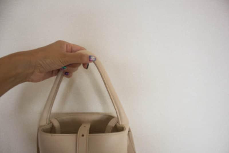 小さいバッグはワンハンドルで決まり