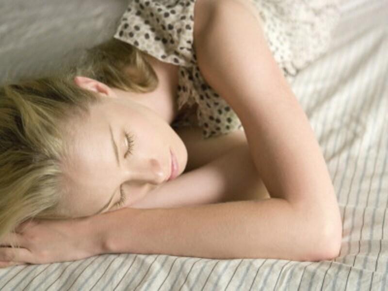 寝る前の夜ヨガ&安眠ヨガ、ダイエット効果は?