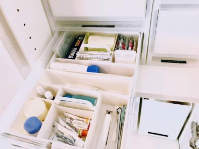 無印のポリプロピレン収納ケースにいれて薬の整理に使用