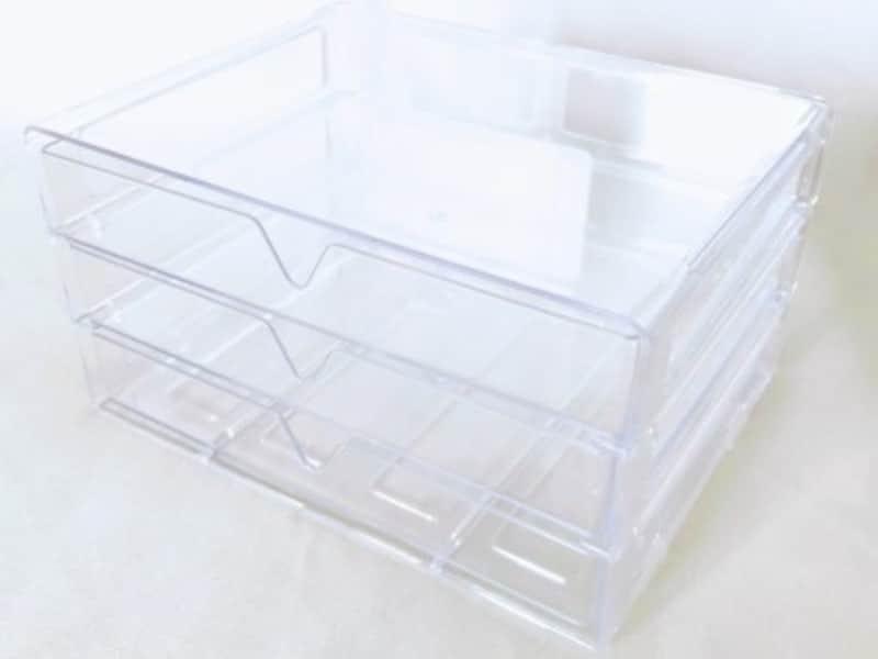 3段引き出しケースはクリアな素材で小さな物の収納にピッタリ