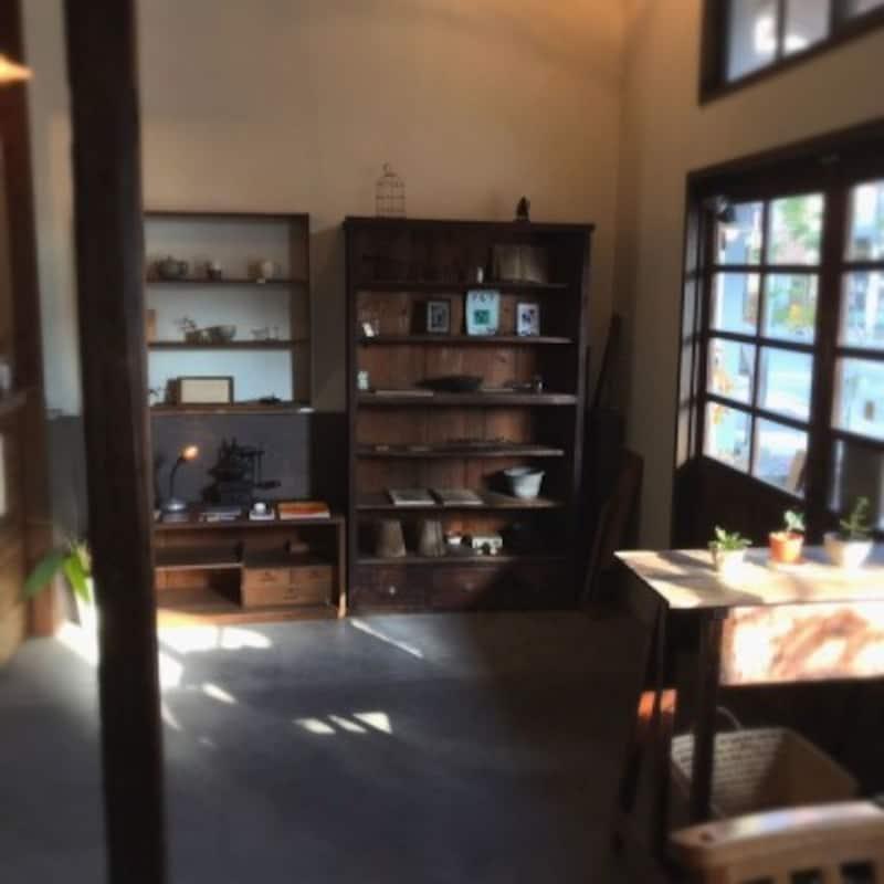 倉庫を改装したカフェ『vuori』