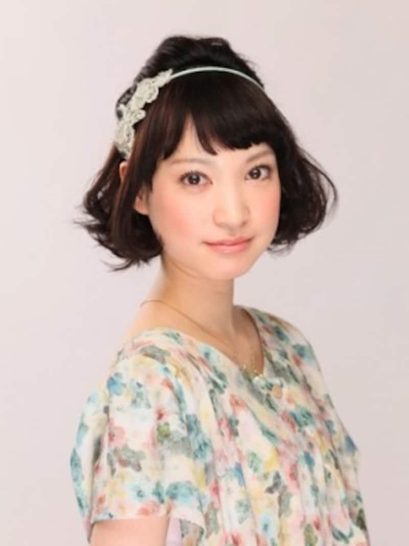 白雪姫風のふんわりショートヘアアレンジ
