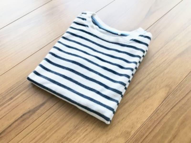 長袖Tシャツのたたみ方・手順5:平置きにする場合は完成!