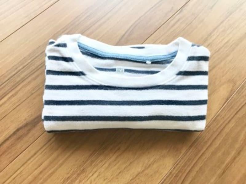 長袖Tシャツのたたみ方・手順6:Tシャツを4つ折りにしたところ