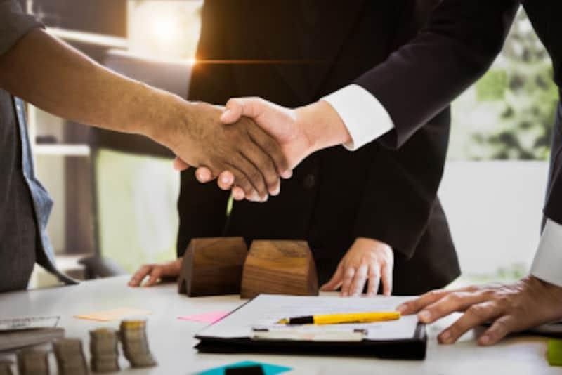 信用取引とはその名の通り、自分を信用してもらいお金を借りて取引をすることです