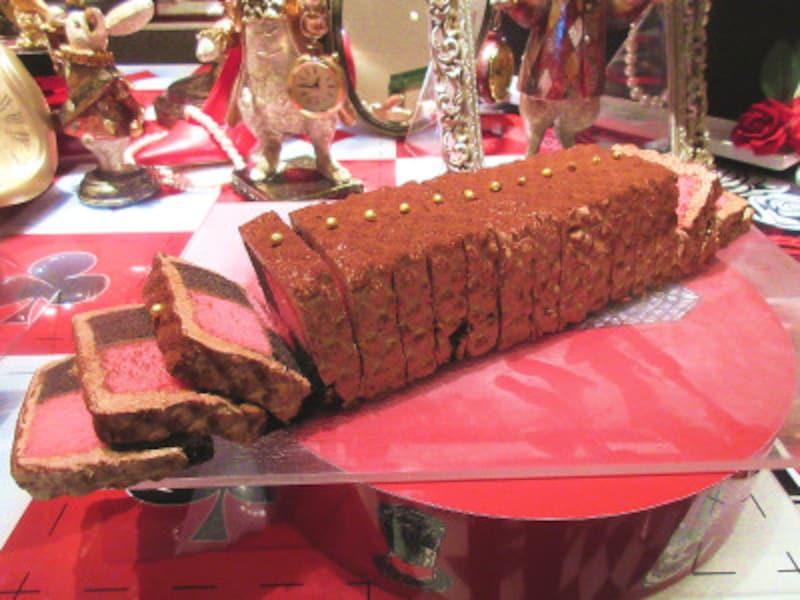 ヒルトン東京マーブルラウンジうさぎのジャケットケーキ