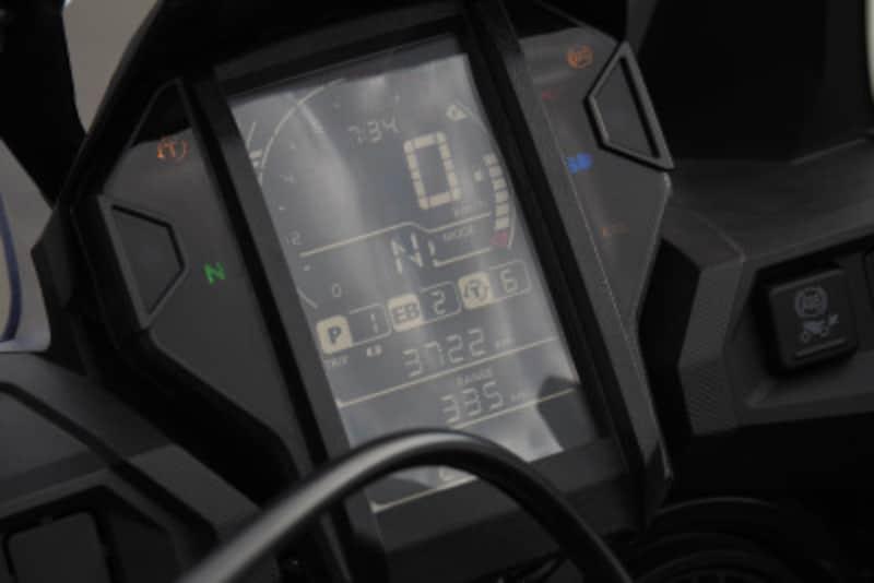走行モードはメーターに表示される