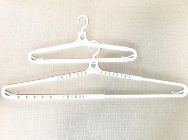 セリアのバスタオルハンガー。42cmから69cmまで伸縮します