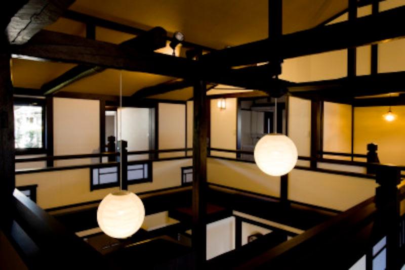 日本の伝統家屋に抱擁されて暮らす